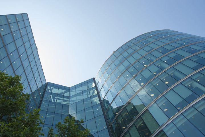 Glass office building - Vlad Baciu Photography