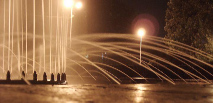 artesian-well in the night - Vlad Baciu Photography