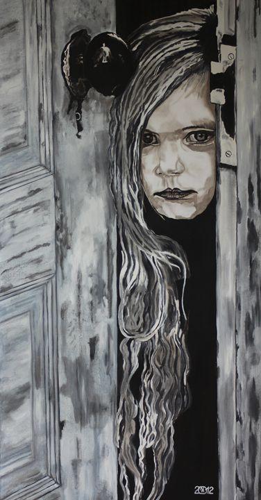 Peeking Little Girl - Relative, Creativ