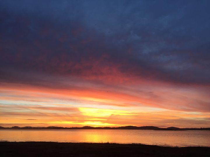 Lake Hume Sunset - Gallery