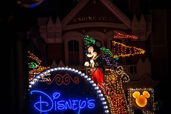 Mickey nightime Parade - Kcable