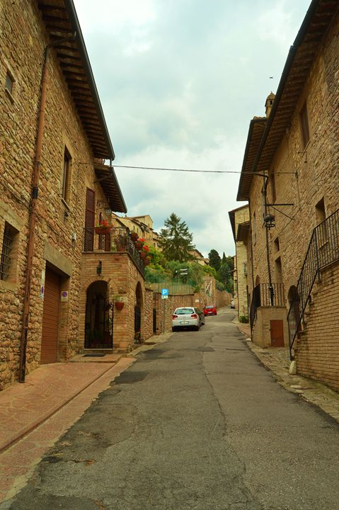 Streets of Assisi, Italy - Hankins Gallery