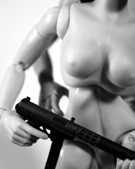 Silencer - Dolls with Guns