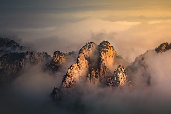 Yellow Mountain - Tom Sikora
