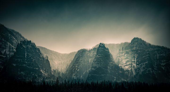 Winter Sun - Tom Sikora