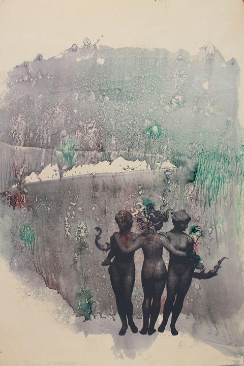 Medusa-Grey - Ivi Dervishi