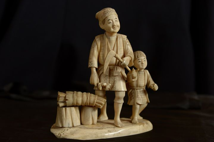 Ivory statue - statue