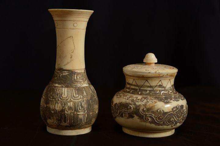 Ivory Chinese Vase - statue