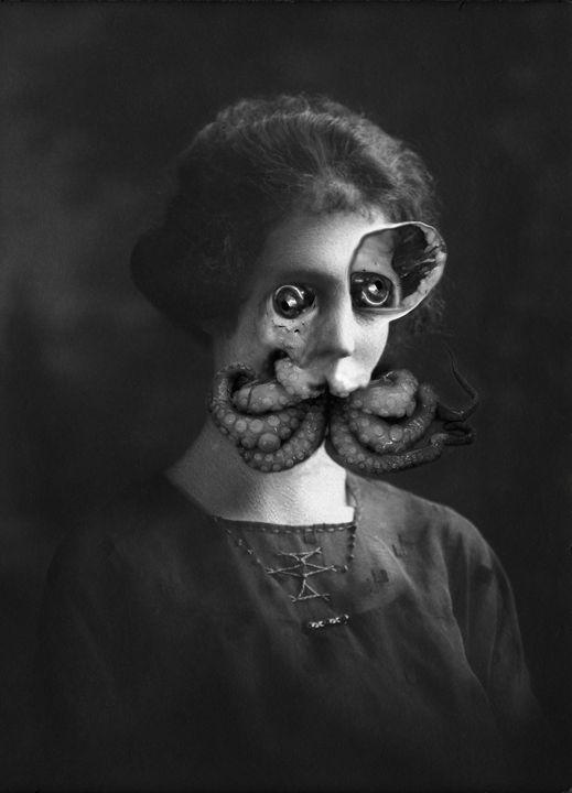 Amanda Hugginkiss -  Kellthemighty