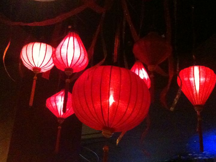 red lamps as holiday decor - bluemeteor