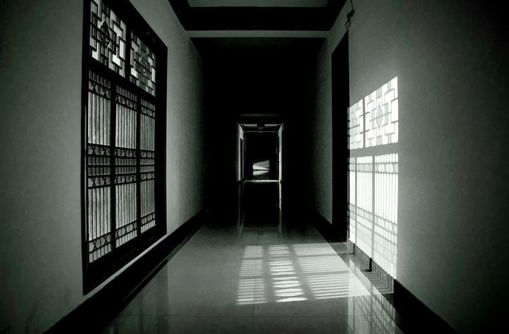 Dark Passageway - Pixtrinsic