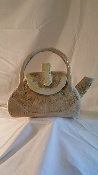 Purse Teapot - Maria's Gallery