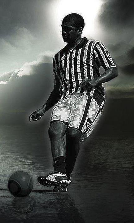 Football - Stenio Soares