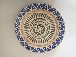 Slip trailing decorative plate - Hardy Ceramics