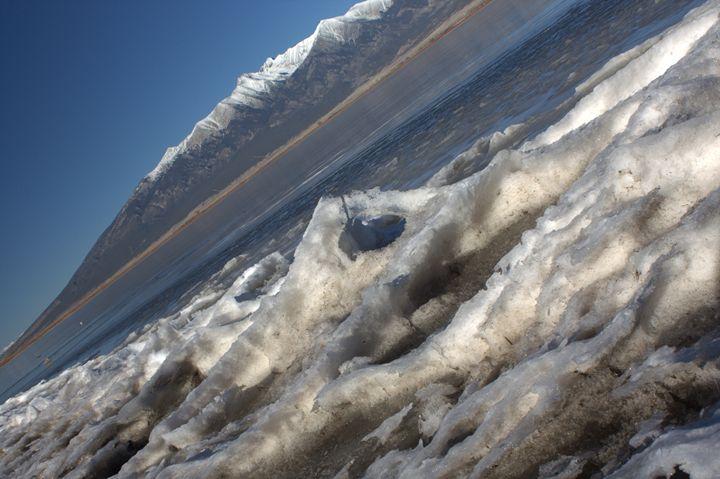 Frozen Shore Line - Olewayz