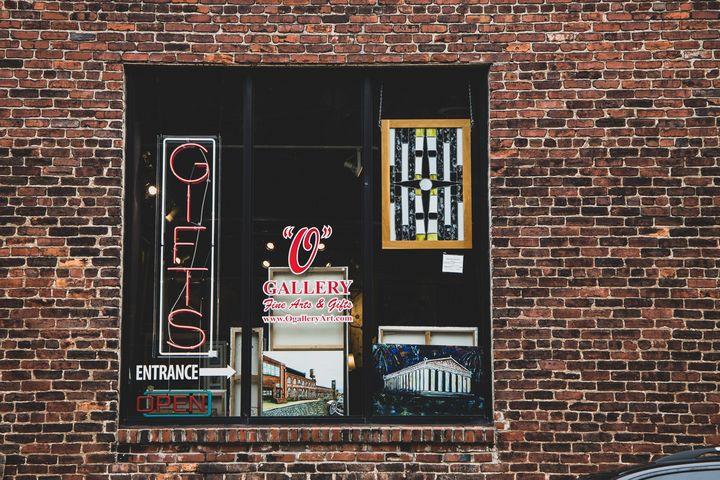 O Gallery - Chloe Delainey Media