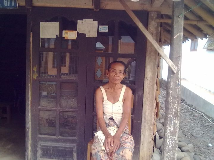 Javanese old woman - Kwazen Gallery