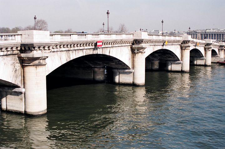 Bridge across the Seine - Rolf McEwen