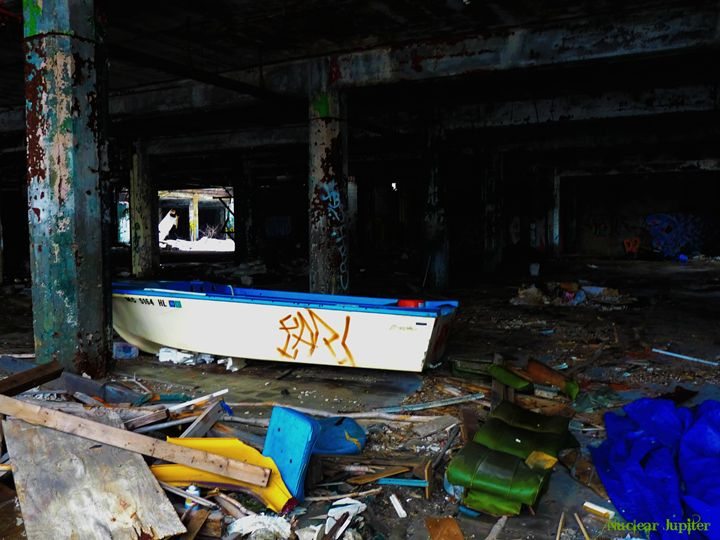 Urban Boating - Nuclear Jupiter Photography