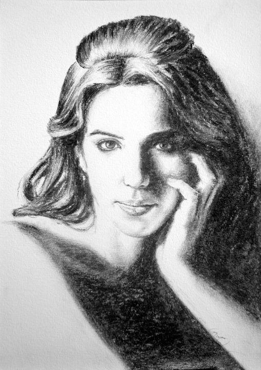 Kate portrait, charcoal, A4 - rogerioarte