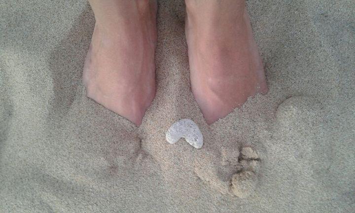 On My Toes - Happy ArtSpot