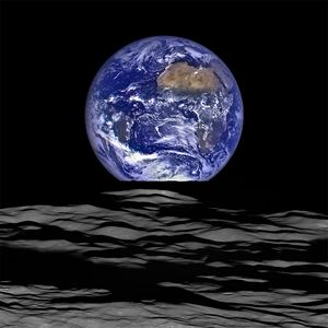 NASA Earth rise Photo