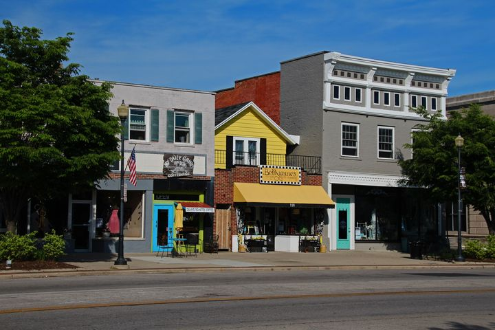 A Street in Perrysburg I - Photography by Michiale