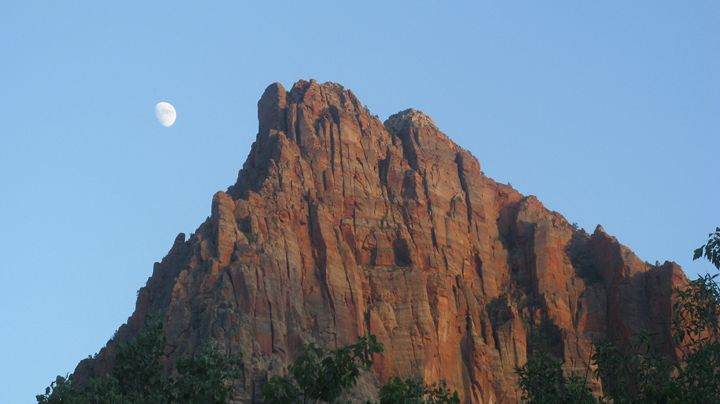 Moon Rise Zion Kingdom - Catherine