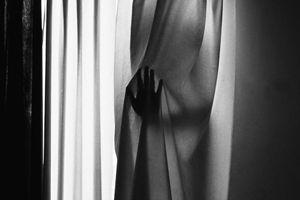 Between curtain