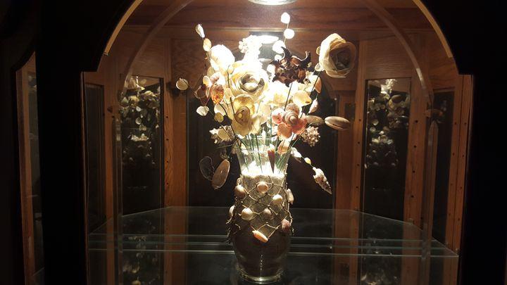 Florida Atlantic seashell floral - Artisans by dame