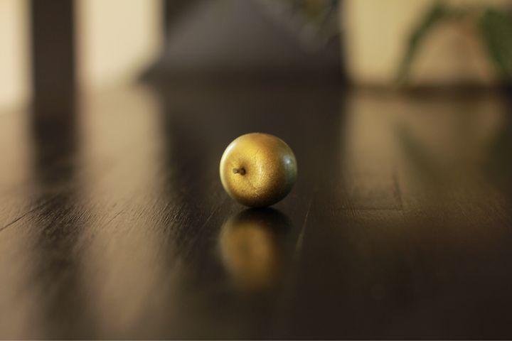 Gold apple - Inessa