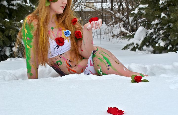 Roses in Snow - Mandy
