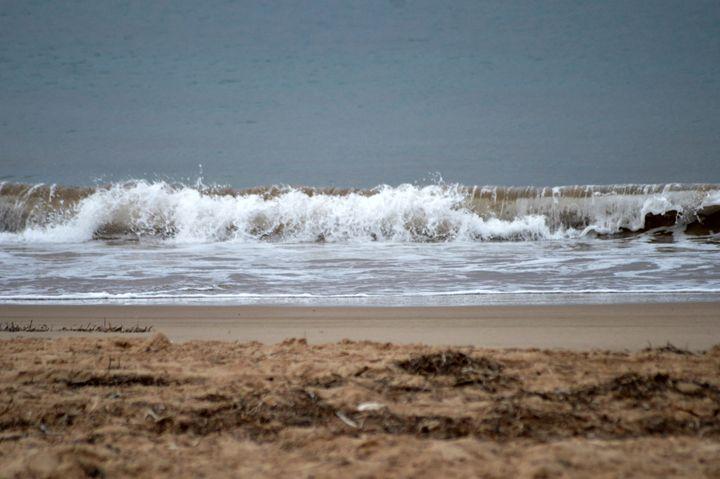 Waves - LynneE