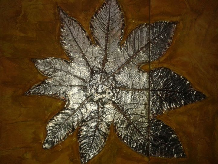 """""""Silver Leaves"""" pic 4 of 7 - Light/Luz"""