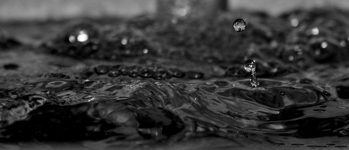 Black like oil - Photo Speaks Photography