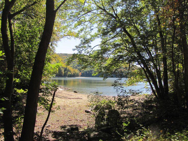 Lakeside Wonderer - Churi Churi
