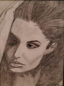 Angelina Jolie Side