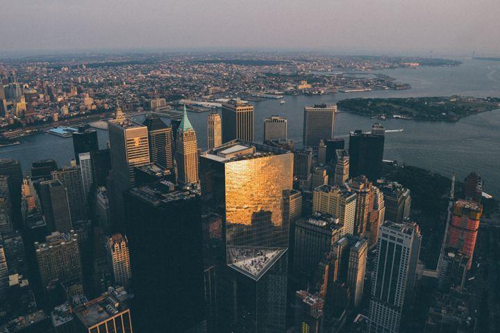Sunset over Manhattan - Sean Tracy
