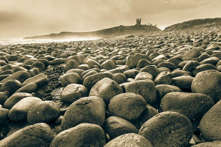 Dunstanburgh Castle, Northumberland. - John Cox Photography and Fine Art