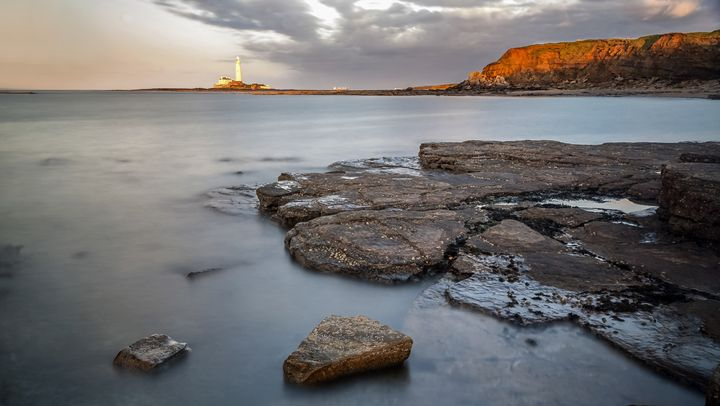 St Marys Lighthouse from Old Hartley - John Cox Photography and Fine Art