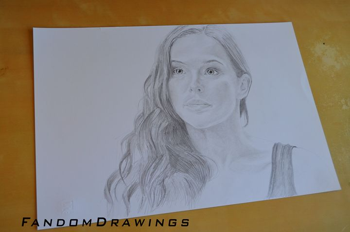 Zoey Deutch Rose Hathaway - Fandom Drawings