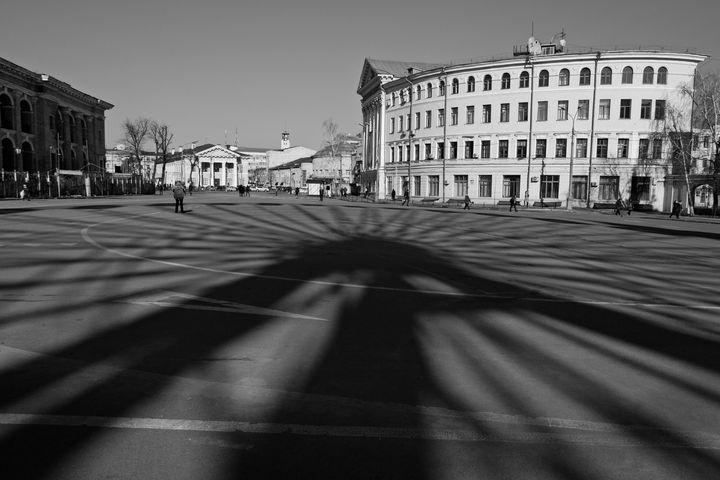 Ferris wheel shadow - Andrii Bilonozhko
