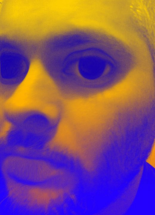 alien selfie - mauriciodelos