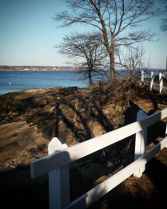 White Ocean Fence -  Njnbyash