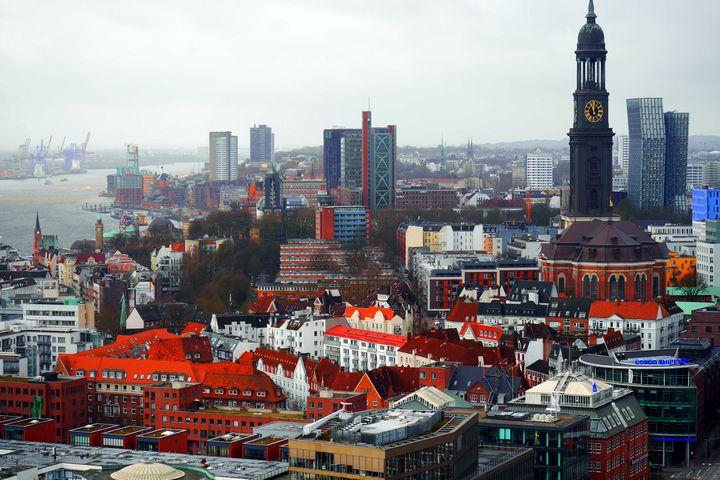 Blick über die Dächer nach Westen - Peter Norden