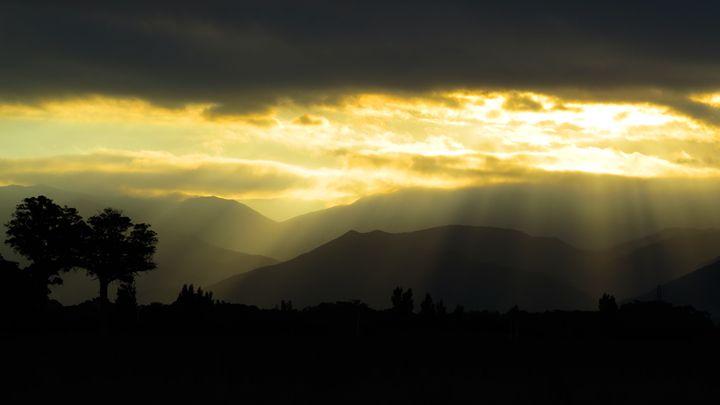 Rimutakas sunset - teodoramotateanu