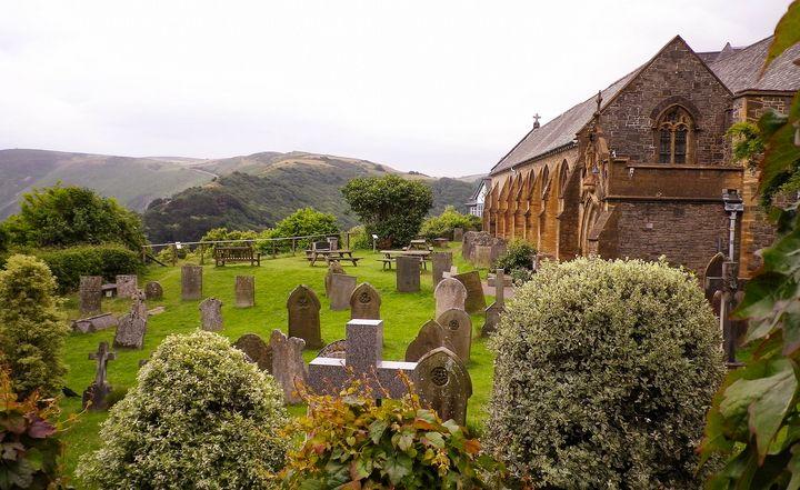 ST MARY'S CHURCH LYNTON DEVON - Richard Brookes Photography