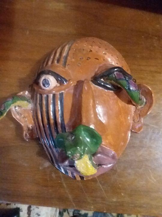 Ceramic wall hanging mask by Kira - Bunni's Originals