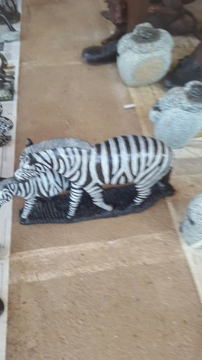 Mother and baby Zebra - YADAH SCULPTURES