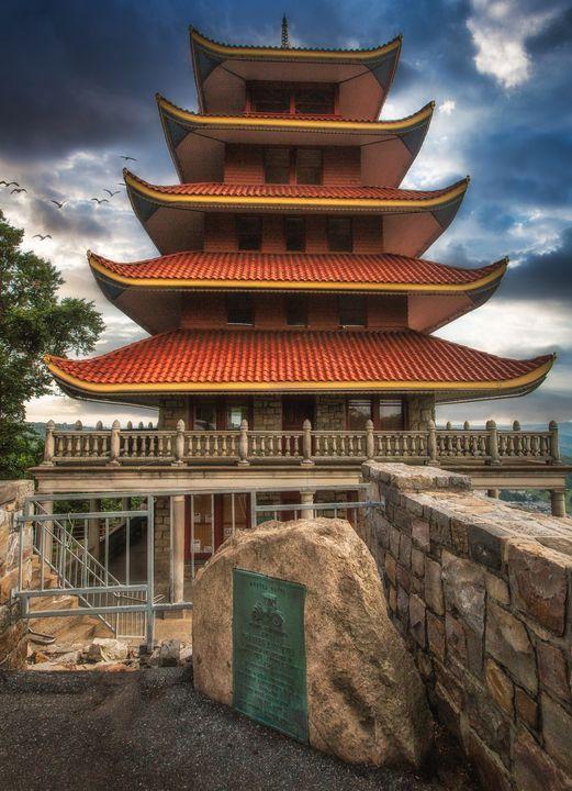 Reading Pagoda 07.17c - Howard Roberts Photography